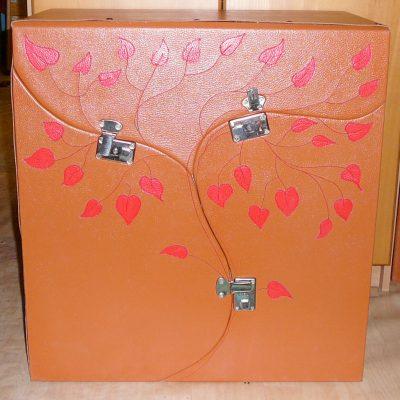 Alice Angevin, Les Sacs à M'Alice Box vachette grainée arbre trois caisses 60x40x80cm