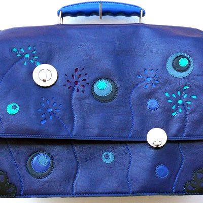 Alice Angevin, Les Sacs à M'Alice Cartable Veau bleu nuit 34x26,5x12