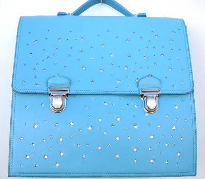 Alice Angevin, Les Sacs à M'Alice Cartable bleu ciel sur étoiles argentées pour petits classeurs 36x32 cm