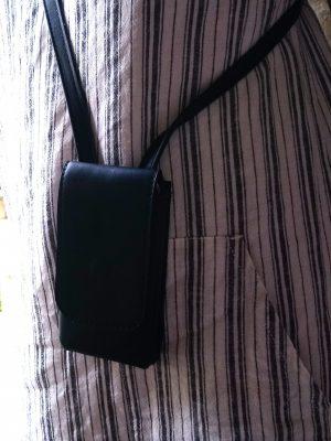 Alice Angevin, Les Sacs à M'Alice Coque à Portable bandoulière noire