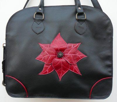 Alice Angevin, Les Sacs à M'Alice Housse à PC Portable Taurillon Carriat noir fleur rouge