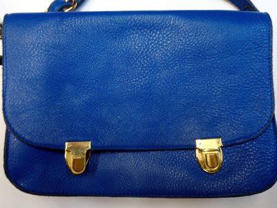 Alice Angevin, Les Sacs à M'Alice, Pochette sacoche bleu