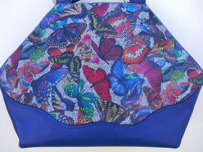 Alice Angevin, Les Sacs à M'Alice, Sac à Main Elegant bleu vachette sérigraphiée papillons